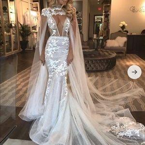 Berta wedding dress 18-07